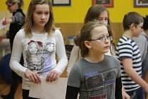 Školáci z Holešova si vyzkoušeli, jak na první pomoc