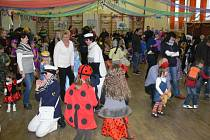 V Podhradní Lhotě v kulturním domě se v sobotu od patnácti hodin uskutečnil už patnáctý ročník Valentýnského karnevalu.