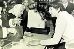 BÍLANY, NOVÁ PRODEJNA. V 70. letech je v Bílanech otevřena nová prodejna. Poté zde ještě nějaký čas byla provozována Jednota. V současnosti zde však obchod chybí.