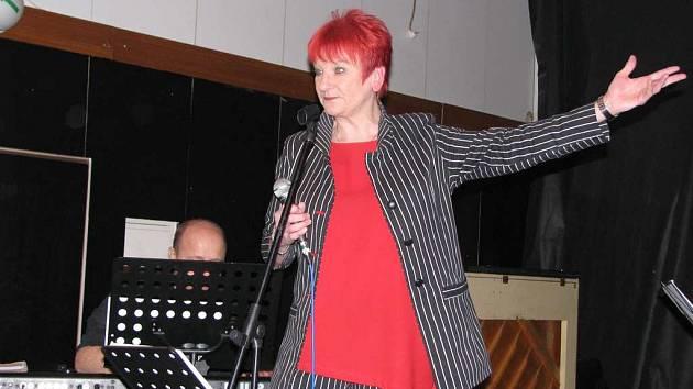V pátek 15. února zavítala do holešovského Drive Clubu jazzová legenda Jana Koubková.