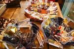 Bonboniéry si mohou zákazníci poskládat sami či si vybrat předem složenou.