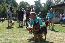 V sobotu 17. srpna se v Holešově uskutečnil šestý ročník závodu agility s názvem Holešovské hopsání.