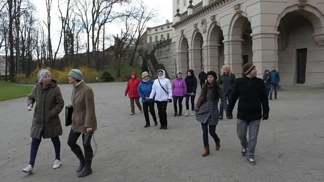Do Podzámecké zahrady v Kroměříži mohou nyní nově lidé i na komentovanou prohlídku s průvodcem. Poprvé se vydali objevovat její historii o Velikonoční neděli.