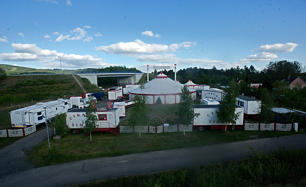 Cirkus Šimek  přečkal  karanténu v Holešově.