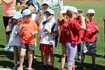V rámci tradiční akce Duhové bubliny strávily děti ze všech kroměřížských mateřských škol středeční dopoledne jako na olympiádě. Na závěr pak společnými silami zaplavily hřiště bublinami.