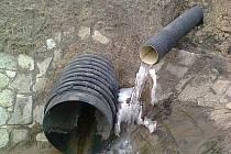 Voda pod Průmyslovou zónou Holešov je podle hydrogeologa ohrožena řadou aspektů.