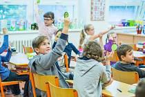 Škola v Bystřici pod Hostýnem zavedla výuku angličtiny i mezi nejmenší žáčky.