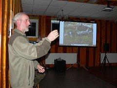 Ochránce přírody Pavel Šálek přednášel obyvatelům Chvalnova – Lísek o krásách norských parků. Beseda se konala v sobotu 10. března 2012.