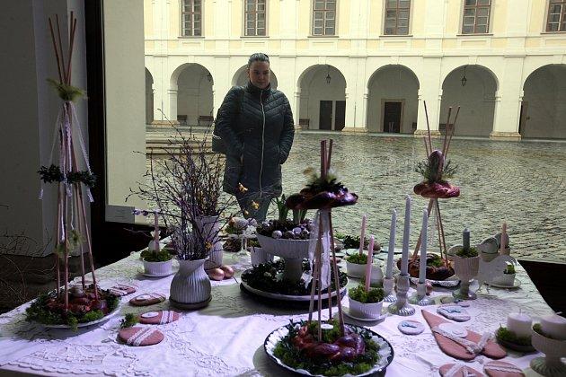 Výstava na holešovském zámku Jaro vkrajce