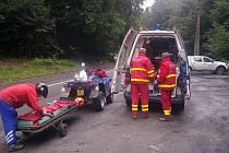 Pomoc záchranářů v kopcích u Tesáku na Kroměřížsku