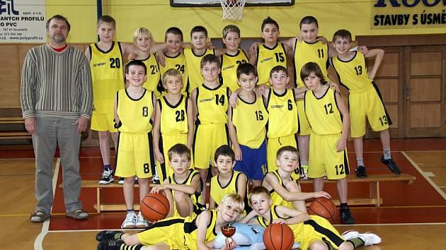 Bojový duch začínajícím basketbalistům nechybí.