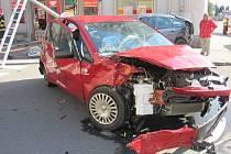 Dopravní nehoda dvou osobních vozidel v Holešově.