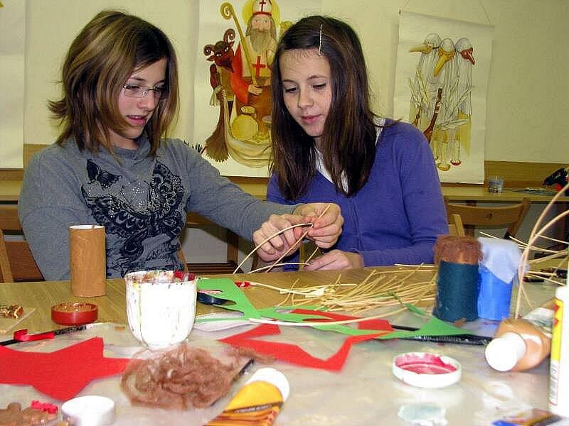 V sobotu 18. prosince 2010 se v Muzeu Kroměřížska konala vánoční kreativní dílna. Děti a dospělí vyráběli vánoční ozdoby, přáníčka a jiné dárečky.