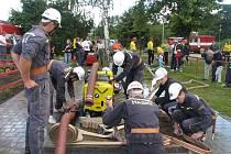 Rychlost, sehranost a hlavně přesnost museli v sobotu 11.7. prokázat ve Zdounkách družstva dobrovolných hasičů