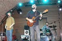 Třináctý ročník festivalu Bluesový podzimek se uskutečnil 10. listopadu 2012 v New drive clubu, který sídlí v holešovském zámku. Na festivalu, který byl věnovaný výročí Jimiho Hendrixe zahrály čtyři kapely.
