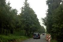 Silnice z Tučap do Prusinovic sloužila rok jako objízdná trasa hlavního tahu z Holešova do Bystřice pod Hostýnem. Zůstaly na ní tozbitá místa a výmoly. Do Vánoc by měla být opravena.