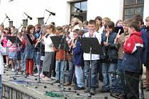 V Základní umělecké škole měl ve čtvrtek 28. května 2009 koncert tamní soubor zobcových fléten.
