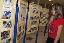 Při příležitosti šedesátého výročí zdravotnického školství v Kroměříži má Střední zdravotnická škola v Domě kultury výstavu, která potrvá až do 2. října. Poté bude na víkend přesunuta do školy, pak na Městský úřad Kroměříž.