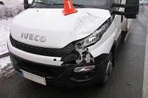 Vážnou dopravní nehodu museli v úterý 3.1. po osmé ráno policisté řešit v Holešově: byl při ní vážně zraněn šestasedmdesátiletý chodec i jeho pes. Muž skončil v nemocnici, zvíře museli veterináři utratit.