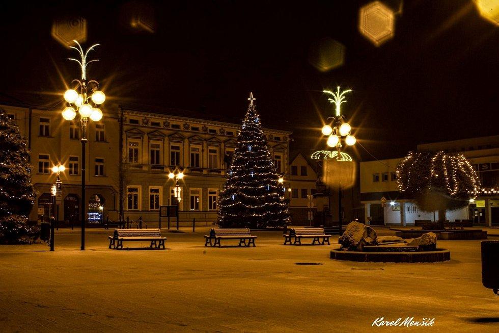 Vánoční strom 2020 v Rožnově pod Radhoštěm