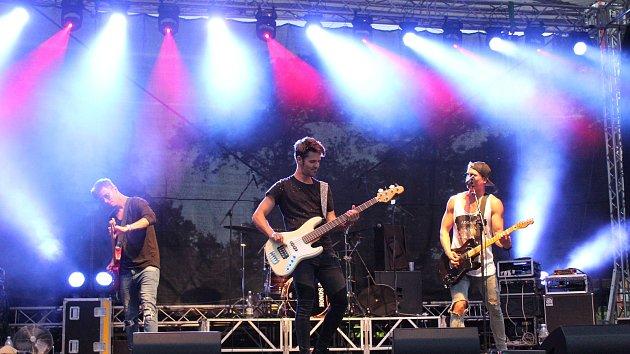 SVALNATÝ ROCKER. Ze slovenska do Kroměříže dorazil i bývalý finalista Superstar Miro Šmajda se svou kapelou Terrapie.