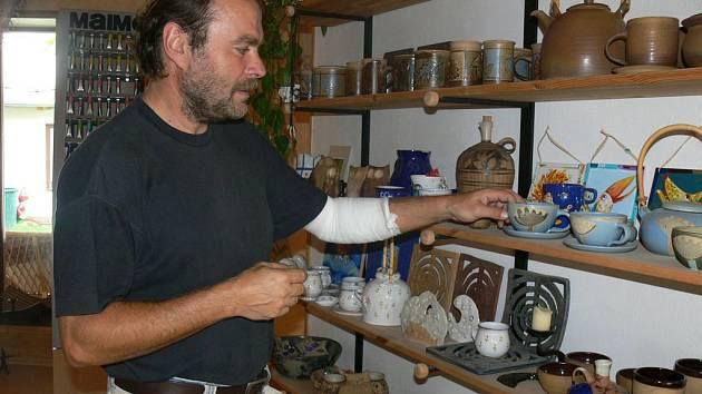 Textil a keramika.