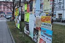 Kvůli přechodu na nový systém provozování výlepové služby a plánované postupné výměně všech ploch určených pro oficiální výlep plakátů v Kroměříži je totiž dočasně přerušen jejich sběr a výlep.