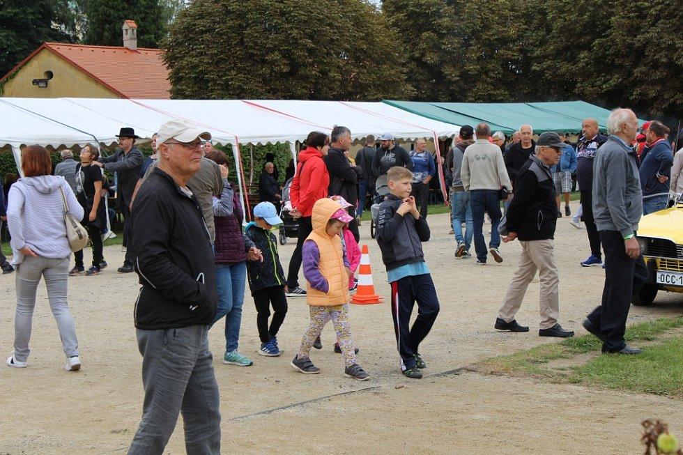 Veteráni přilákali do Holešova davy lidí.