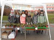 Vánoční jarmark je v ZŠ Hulín už tradice. Výtěžek z prodaných výrobků pak každoročně pomáhá modernizovat školu.