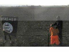 Trojice s vlajkou Islámského státu imitovala brutální popravu před kamerou meteostanice v Holešově.