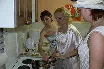 Do projektu Týden manželství se přihlásily i pracovnice Mateřského centra Srdíčko v Holešově. Podpořily jej akcí, která se konala 14. 2. 2008.