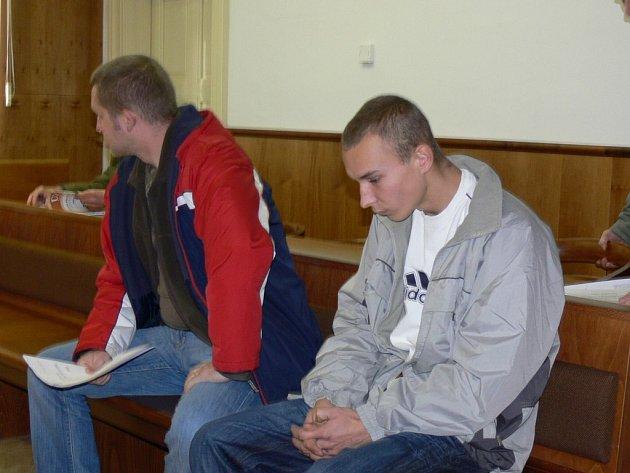 Osmnáctiletý Pavel Rajnoha z Kroměříže je obviněn z vraždy své čtyřicetileté známé.