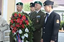 Přímý osvoboditel Břestu Ján Ihnatík vzpomínal s vedením obce, dalšími hosty a tamními lidmi na oběti druhé světové války, které padly při osvobozování obce československými vojáky.