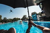 Po dvou letech se v sobotu 29. srpna na hulínském koupališti opět konala akce nazvaná KromWars: klání ve freeskiingu neboli akrobatických skocích do vody.