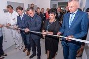 V Kroměřížské nemocnici mají od středy k dispozici nově opravené Hemodialyzační středisko: Zlínský kraj přišly úpravy na bezmála 55 milionů korun, další peníze přidala samotná nemocnice a její partneři.