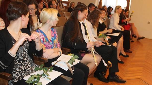 Základní umělecká škola v Kroměříži pořádala druhý absolventský koncert.