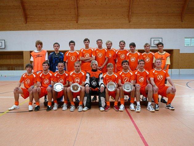 Fotbalisté SFK Kozel Počenice zaznamenali historický úspěch, když postoupili do druhé nejvyšší soutěže.