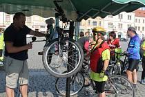 Pod záštitou europoslankyně Olgy Sehnalové se v sobotu 20. září uskutečnila vyjížďka na kolech pravidelných i svátečních cyklistů z Kojetína a Kroměříže do Kvasic.