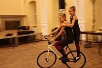 Přehlídka talentů Zlatý oříšek 2019 v Holešově -  krasojezdkyně z T. J. Sokol Zlín-Prštné Tereza Buršíková a Kateřina Návojová