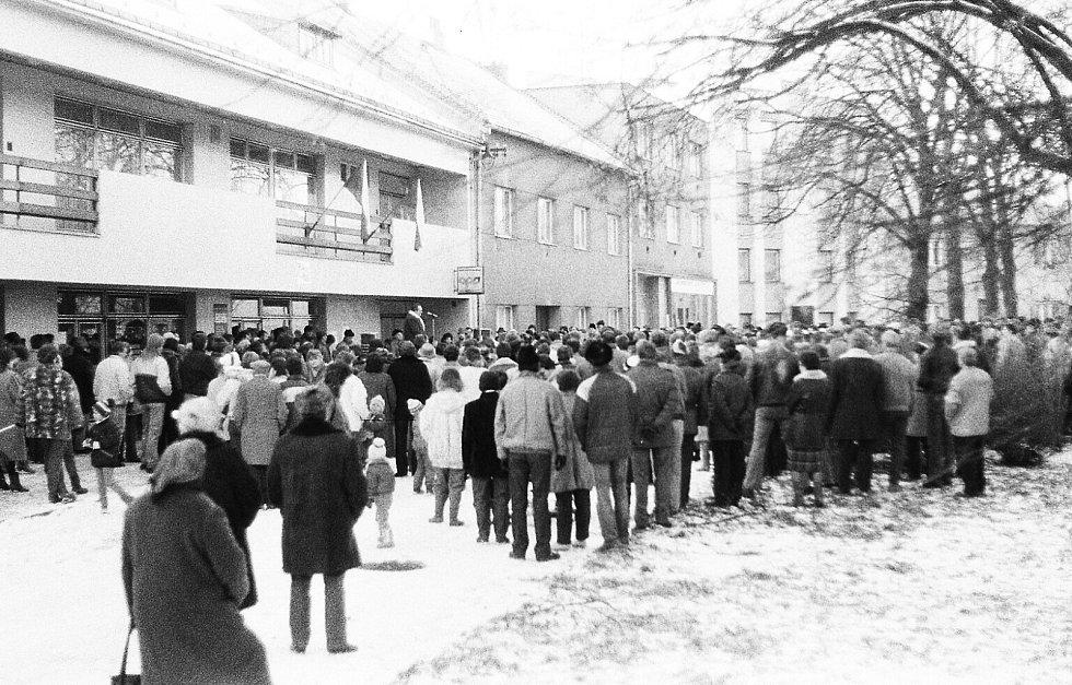 Sametová revoluce v Hulíně.