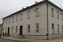 Lidé z Morkovic měli poslední možnost vidět starou radnici.
