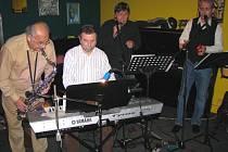 Oldies Band Zdeňka Mojžíše.