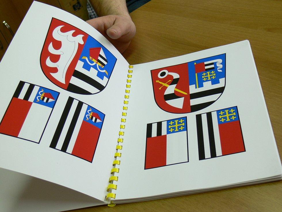 Prusinovští si svůj symbol vyberou z osmi navržených kombinací.