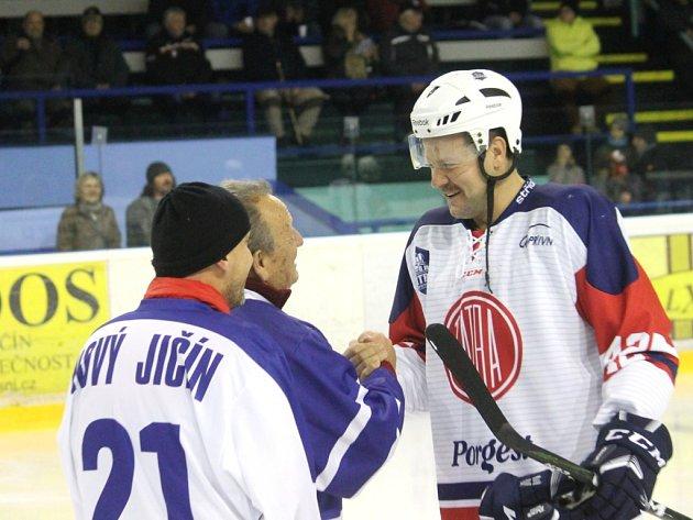 Hrající kopřivnický asistent trenéra Martin Tomášek zařídil na konci roku 2017 čistým hattrickem výhru Tatry proti Valašskému Meziříčí.