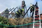 Požár hospodářské budovy v obci Sedlnice likvidovaly čtyři jednotky hasičů.