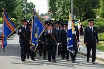 Žehnání nového praporu bylo součástí nedělní připomínky 125 let od vzniku dobrovolného sboru hasičů v Bernarticích nad Odrou.
