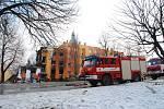 Záchranné práce a situace na místě po výbuchu v panelovém domě ve Frenštátě pod Radhoštěm.