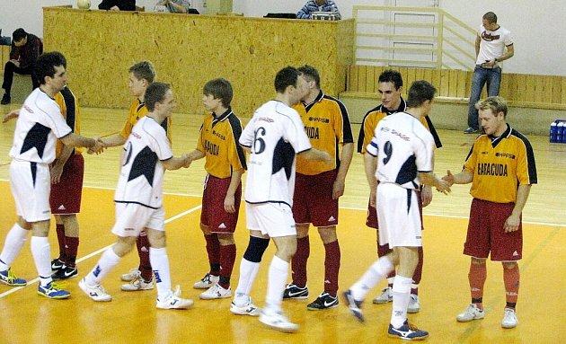Hráči futsalového týmu Tatran Baracuda Jakubčovice odehráli v pátek večer v Brně veledůležité utkání s místním týmem Tomson. Oba celky totiž přímo bojovaly o udržení se v soutěži II. ligy.