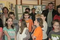 Výstava Policie očima dětí v Základní škole Adolfa Zábranského Rybí.