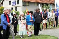 Vzpomínkové setkání na zakladatele genetiky Johanna Gregora Mendela se uskutečnilo v pátek 20. července u jeho rodného domu v Hynčicích, místní části Vražného. Ten den uplynulo přesně 190 let od narození tohoto vědce světového věhlasu.